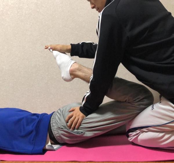 大腿四頭筋のストレッチの方法1