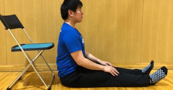 上腕二頭筋長頭のストレッチ方法1